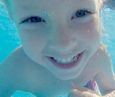 swimming-dental-health-2021_543